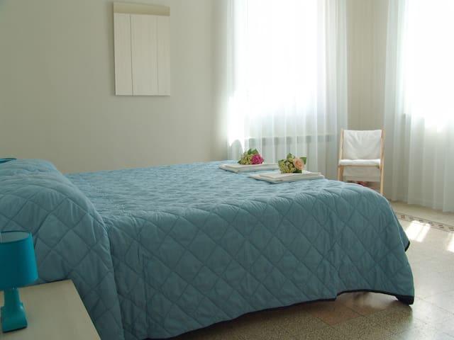 La Casa Dopo il Ponte - Morrovalle - 家庭式旅館