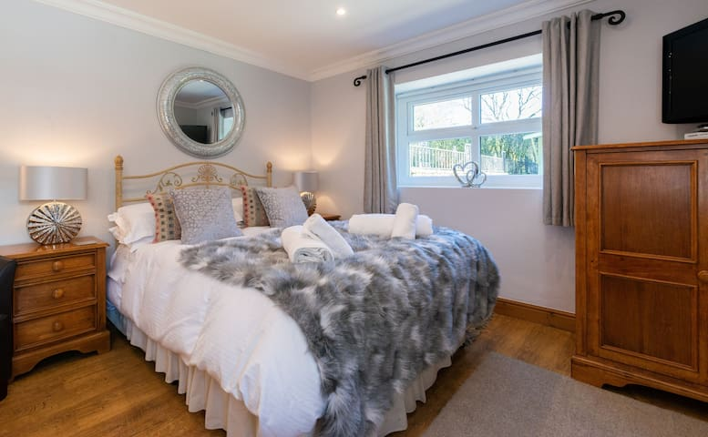 Tweedy Studio- Holiday cottage Clitheroe