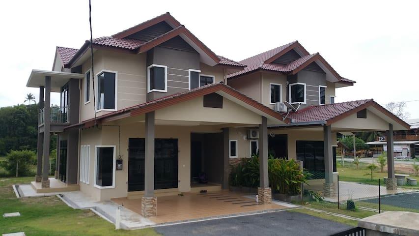 Ikhwah Homestay @ Batu Rakit - Kuala Terengganu - Casa