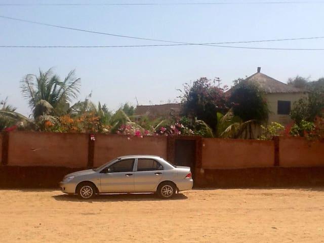 Maison africaine près de la mer - Bargny Gouddau - Apartamento