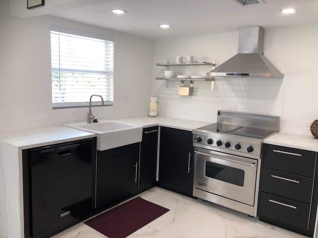 Amazing 2-Bedroom Brickell Apartment!