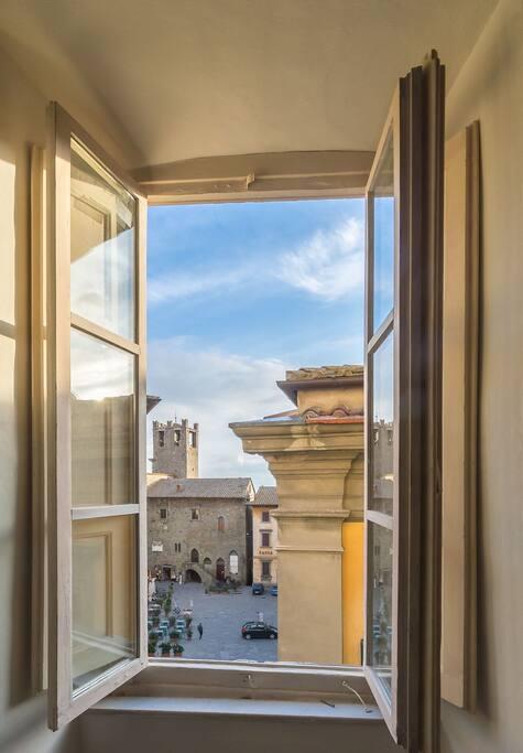 La finestra sul teatro apartments for rent in cortona toscana italy - La finestra sul teatro ...