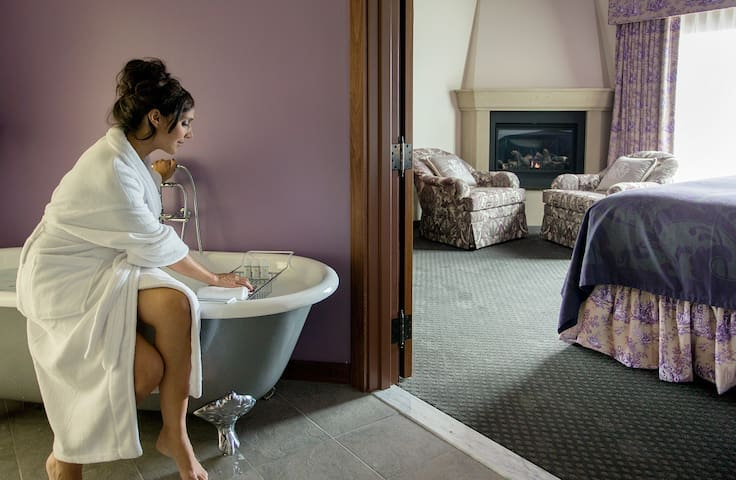 French-inspired Boutique Hotel in Plymouth, MA