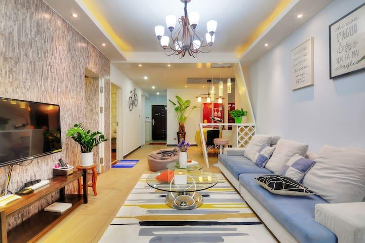 FM公寓-二七万达商业广场悠然两室