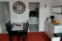 Apartment Sara, Dugi Rat, Croatia