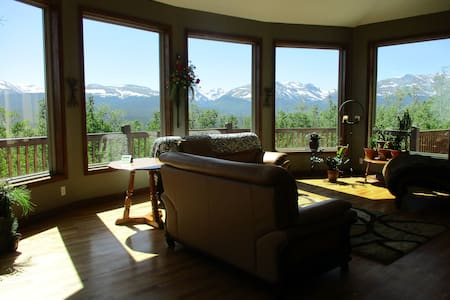 Luxury Living Mountain Vistas - Fairplay