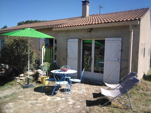 Studio entre Ventoux et Luberon - Malemort-du-Comtat - House