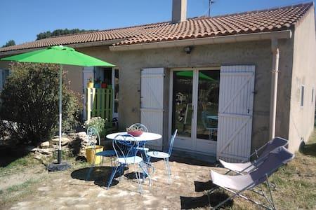 Studio entre Ventoux et Luberon - Malemort-du-Comtat - Ev