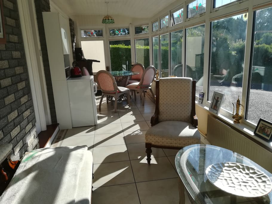 Conservatory/Breakfast Area