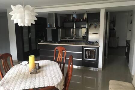 Habitaciones con Bano privado en apto