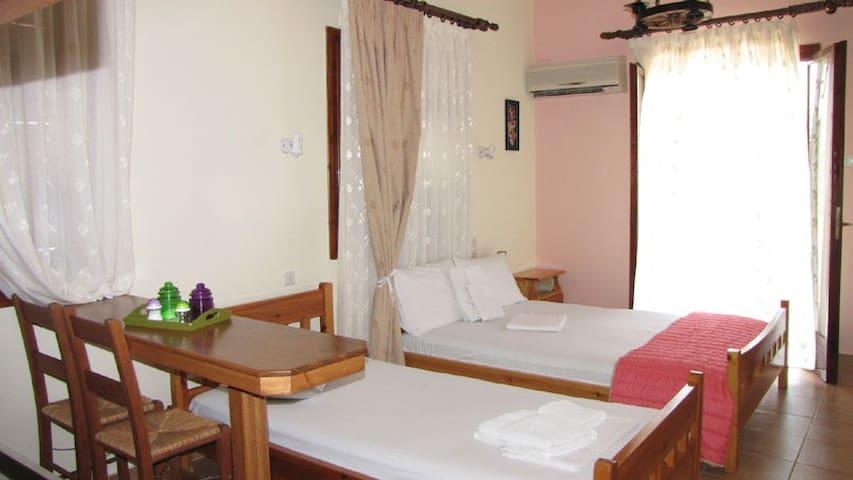 διαμέρισμα για 2 ατομα - Milina - Condominium