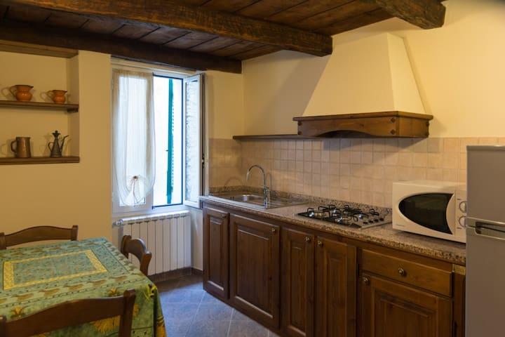 BENESSERE E RELAX IN AGRITURISMO A PIGNA - Pigna - Apartment