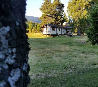 Yellow House, Epuyen