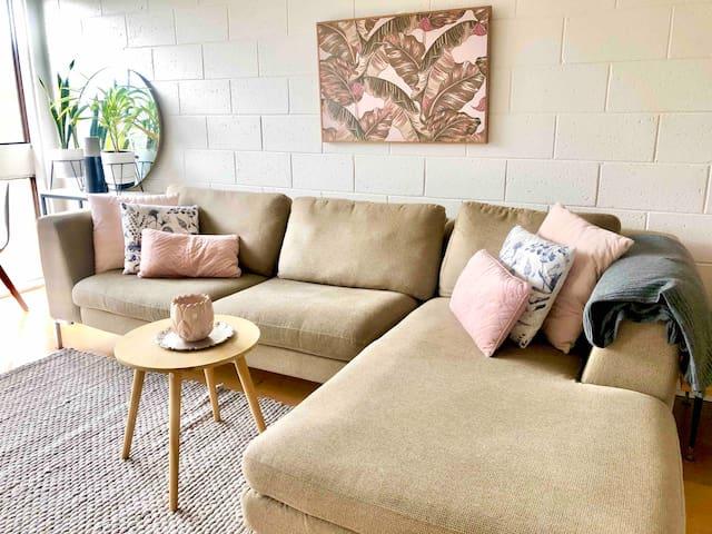 Sunny South Hobart • LONG TERM AVAILABLE