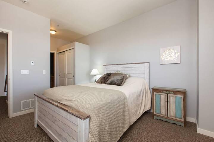Beautiful Master Suite w/ queen bed in Denver - Denver - Társasház