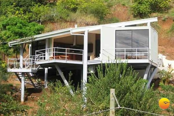 Spectacular single ocean view modern home