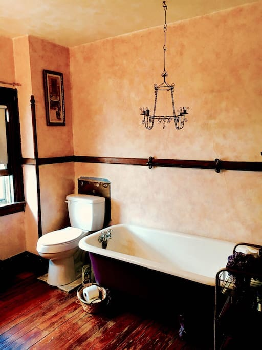 3rd Floor Suite Bathroom  -       Bubble baths and bottles of wine are the best way to enjoy the antique bathtub in the suite