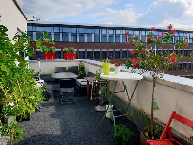 Rooftop Terrace Apartment Next to Trade Fair Deutz