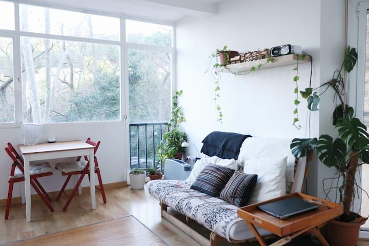 Habitación en zona tranquila, casa compartida.