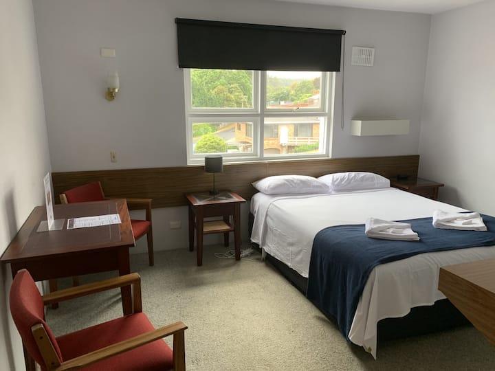The Menai Hotel Queen Room