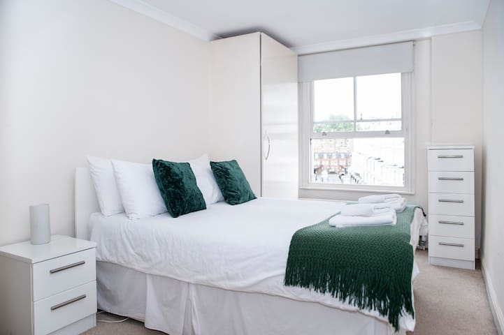 Pretty and Quiet 1bed apt - HYDE PARK + 4 TUBES