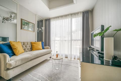 CLASSICO by Kozystay | 1BR | Next to Mall