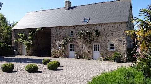 Farmhouse XVII e near St MOTHER CHURCH and the sea