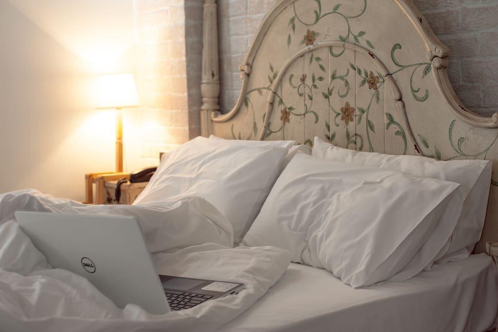 Стандартный номер с 1 большой двухспальной кроватью
