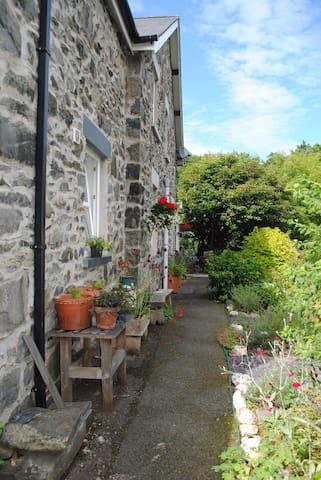 Comfortable ensuite room in Trefriw, Snowdonia - Conwy - Huis