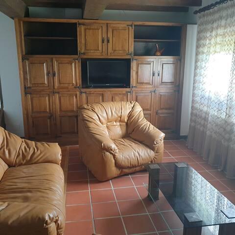 Apartamento con jardín y barbacoa en El Tejo