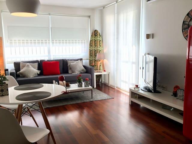 40m2 private studio-room. Pedralbes area.