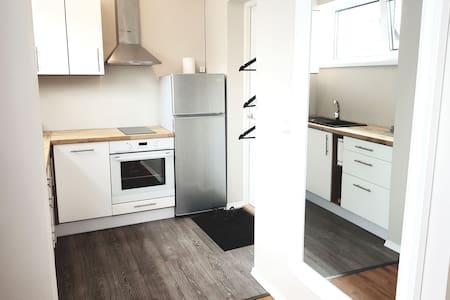 New Cozy & Fresh Studio Apartment in quiet area.