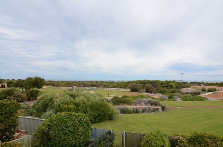 Beachfront home with amazing views - Jurien Bay - Rumah