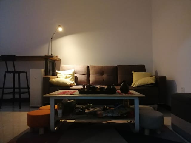 [#1 IN AREA] Comfy Living Room Space 温馨老外客厅沙发床