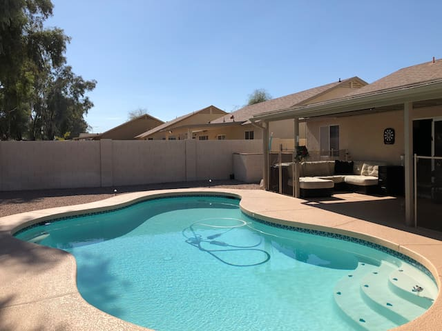 Comfy Blue Private Double Room in Chandler!