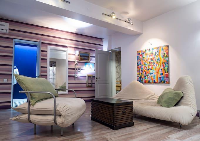 Атмосферна квартира в центрі   Apartment downtown