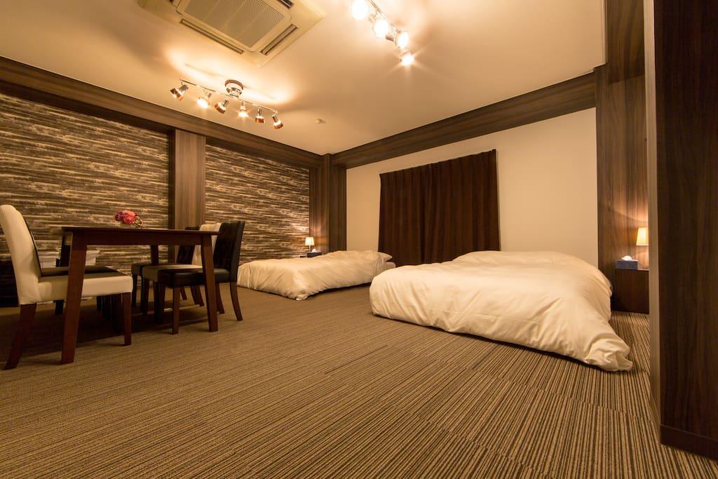 Lavish wide bedroom ②/奢华全寝室②/호화로운 넓은 침실 ②