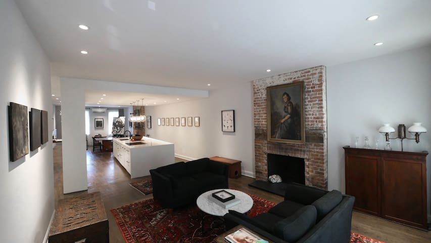 Chic Historic townhouse in the heart of Sag Harbor