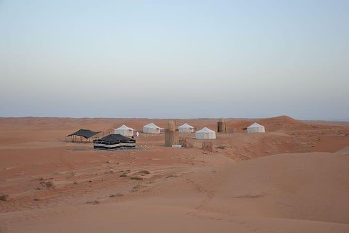 Al Sarmadi Desert Night Camp مخيم ليل السرمدي