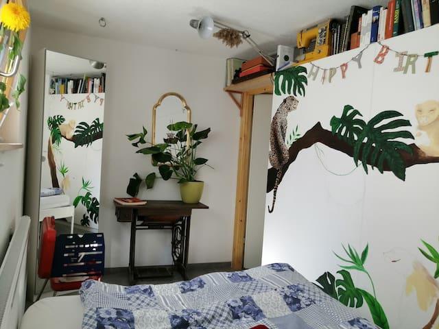Süßes Zimmer mit vielen Extras:)