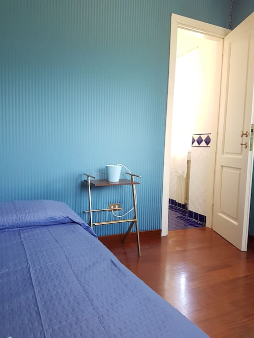Blue single room