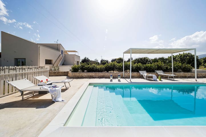 Villa Arancina - 6 Guests