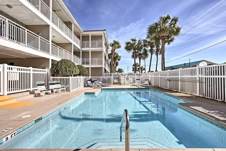NEW! 1BR Destin Condo w/Pool - 100 Yards to Beach!
