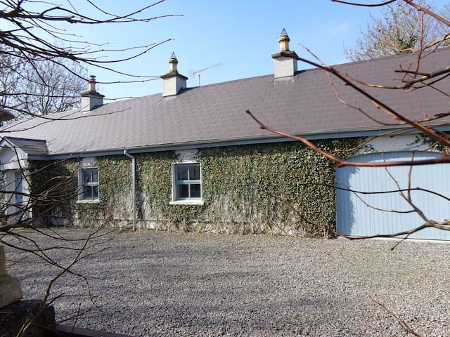 Herberts Cottage Navan.