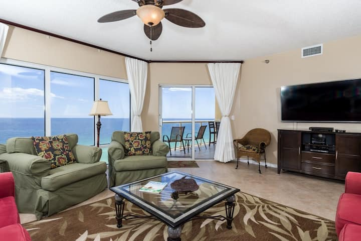 Gulf Front Condo w/ Shared Pools, Onsite Fitness Center, More!