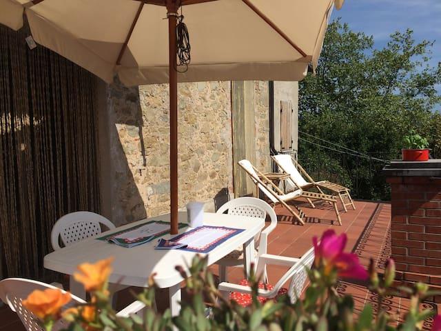 Rustico con Terrazza Panoramica e Piscina - Bagni di Lucca - Casa