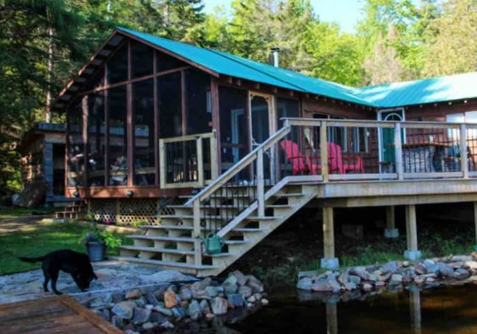Family Cottage at Water's Edge