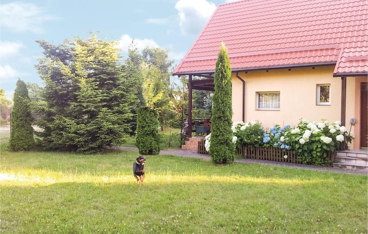 Holiday cottage with 3 bedrooms on 86m² in Golubie