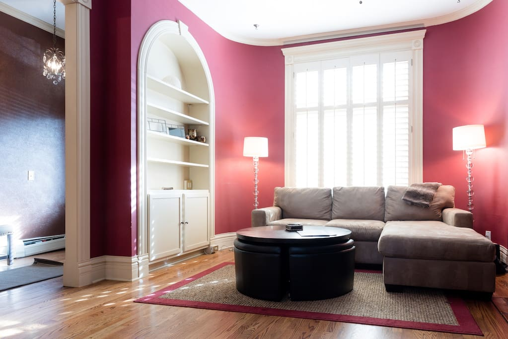 Living with beautiful custom built-ins