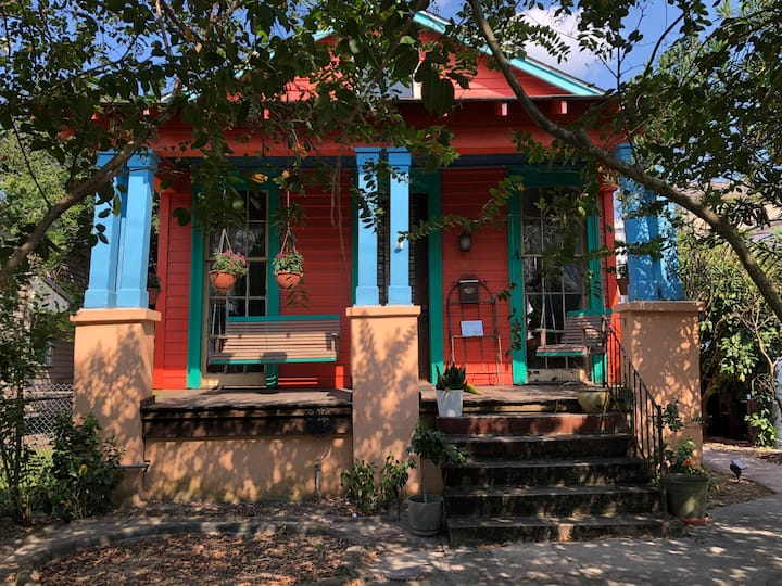 Charming Creole Cottage on Magazine Street